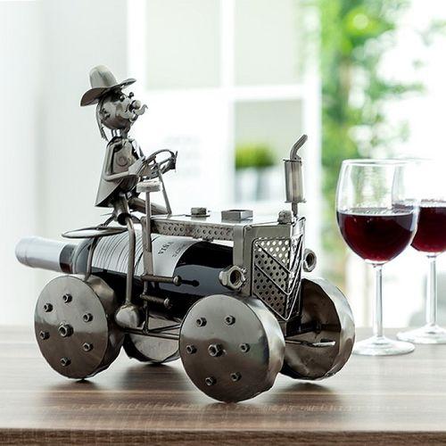 Kovový stojan na víno Traktorista