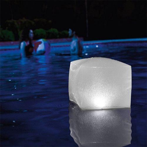 LED nafukovacia kocka do bazéna Intex
