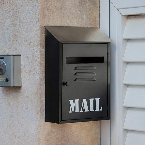 Kovová schránka na listy čierna Mail